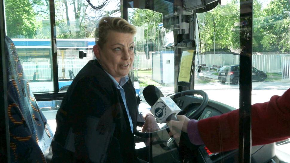 Pani kierująca autobusem i jej pasażerowie zatrzymali pijanego kierowcę