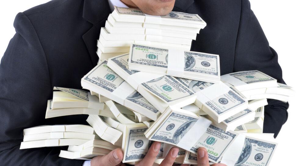 Ile trzeba zarabiać, żeby być szczęśliwym? Zbadali to naukowcy