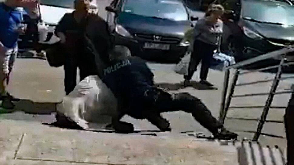 Policjant ugodzony nożem. Napastnikiem był radny