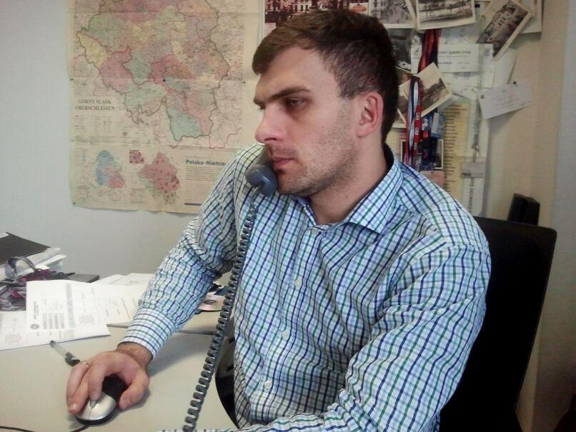 Dariusz Kmiecik w katowickim studiu Faktów TVN