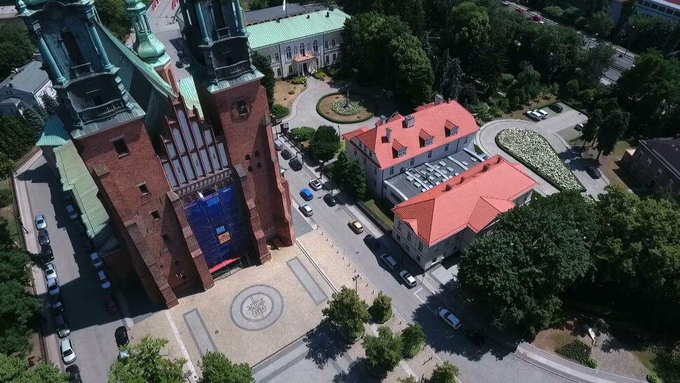 """Śledczy nie przeszukają poznańskiej kurii. """"Nie zakładamy złej woli arcybiskupa"""""""