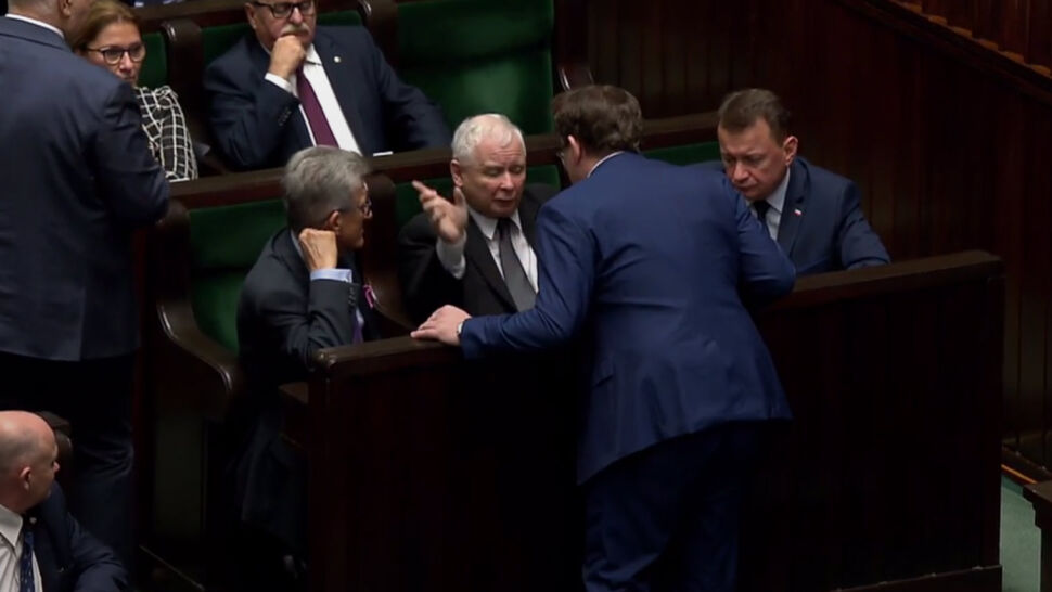 Tarczyński wezwany przed oblicze prezesa. Nerwowy dzień na Wiejskiej