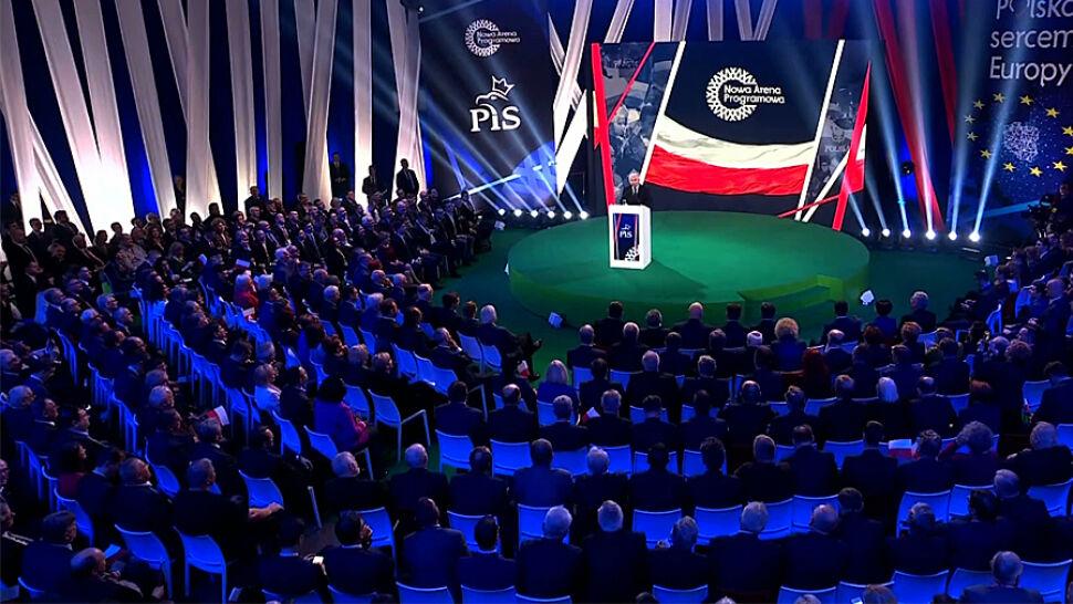 Wyborcze obietnice PiS. Schetyna: to korupcja polityczna