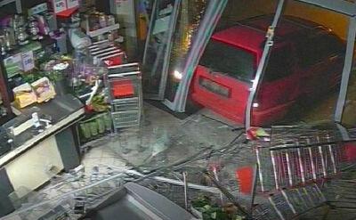 Gang, który rozbijał sklepy, zatrzymany. Kierowała nim 19-latka
