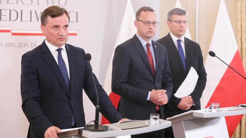28.07.2020   Konwencja przeciwko przemocy obowiązuje od 5 lat. Co się zmieniło dla Zbigniewa Ziobry?