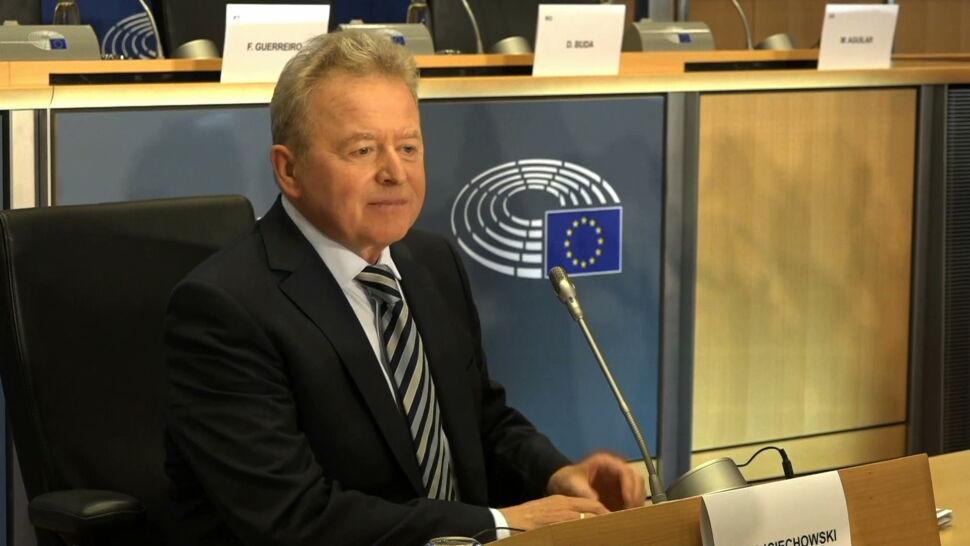 Janusz Wojciechowski przypomina, że KE ostrzegała przed koronawirusem już w styczniu