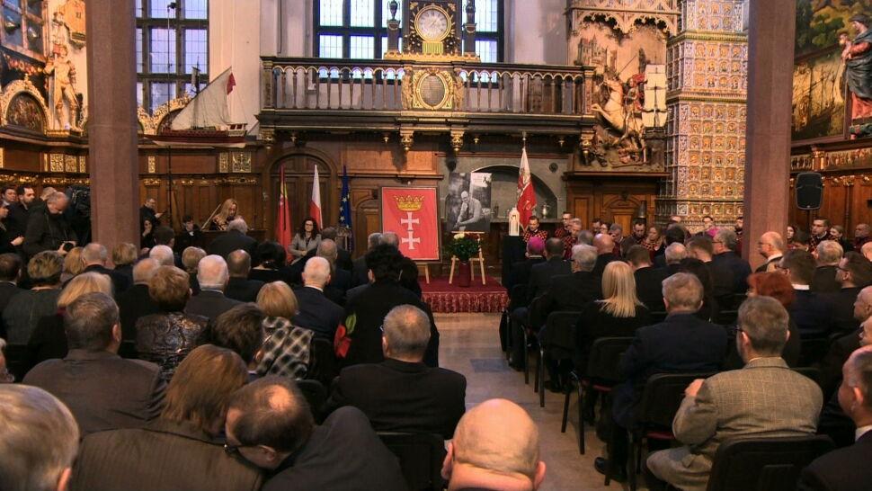 Rozpoczęły się oficjalne uroczystości żałobne po śmierci Pawła Adamowicza