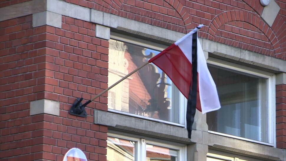 Dziesiątki tysięcy osób złożyło hołd przed trumną Adamowicza