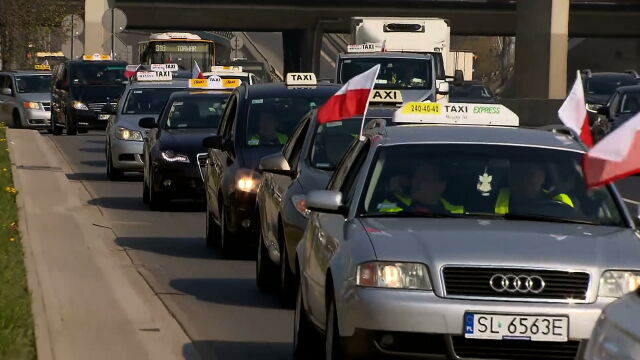 Taxi drivers protested in Warsaw by blocking many busy roads in and around the city