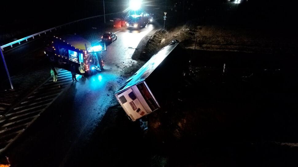 Jedna osoba zginęła, 24 są ranne. Tragiczny wypadek na Dolnym Śląsku