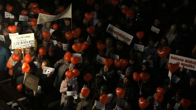 03.01.2020 | W obronie doktora Riada Haidara. Przed szpitalem zebrali się demonstranci