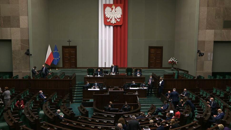 Niespodziewany zwrot w Sejmie. Wniosek opozycji przyjęty, obrady odroczone