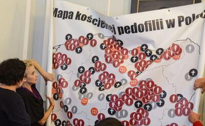 """Przedstawiono """"mapę kościelnej pedofilii"""". """"W ciągu doby 70 kolejnych zgłoszeń"""""""