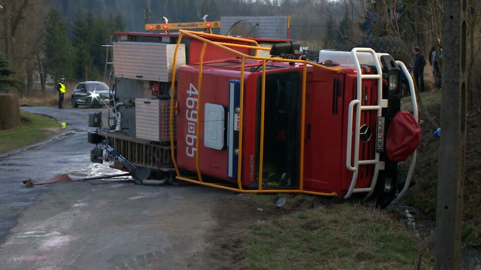 Strażacy pod wpływem i zniszczony wóz wart ponad milion złotych