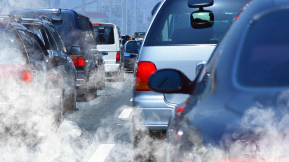 Samochody spalinowe odchodzą do lamusa? W Polsce jakoś to nie wychodzi