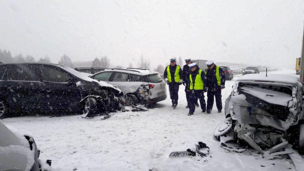 Potężny karambol na A1. Zderzyło się 20 aut, sześć osób rannych