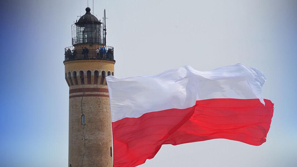 Dzień Flagi coraz popularniejszy. Skąd się wzięło to majówkowe święto?