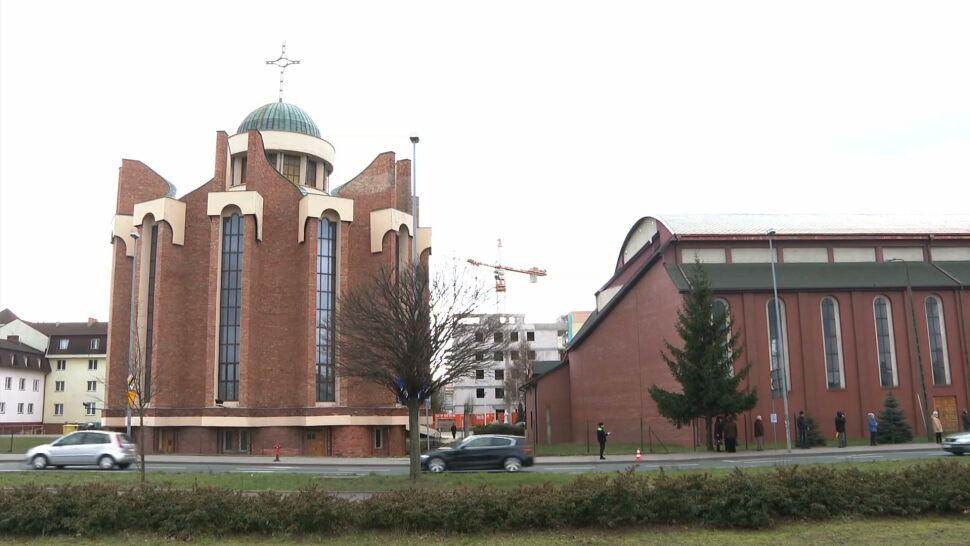 Robotnicy spadli z dachu sanktuarium w Szczecinie. Jeden zmarł