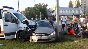Car accident on the signal with the car. Nine people injured