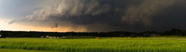 Groźna pogoda w Polsce. Pomarańczowe alerty IMGW