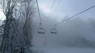 Deszczowe chmury nad Alpamiodbiorą przyjemność z szusowania