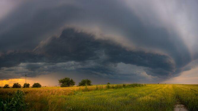 Pogodowy krach. Słoneczną sielankę przerwą burze i deszcz