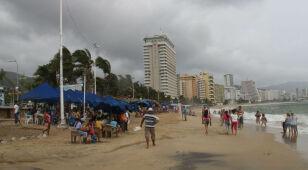 Potężny huragan oszczędzi Meksyk? Niespodziewanie stanął 200 km od wybrzeża
