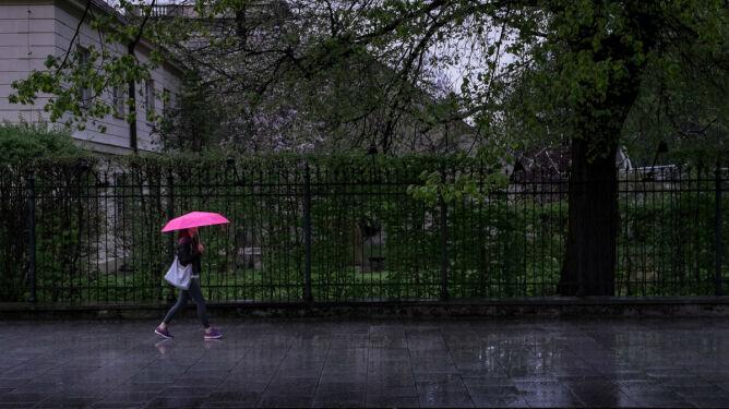 Prognoza pogody na dziś: znacznie chłodniej, a lokalnie deszczowo