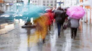 Pogoda na 5 dni: z ciepłem szybko się pożegnamy, popada deszcz ze śniegiem