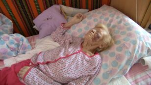 """93-latka przepisała mieszkanie policjantom. """"Wydarli je w ciągu miesiąca"""""""